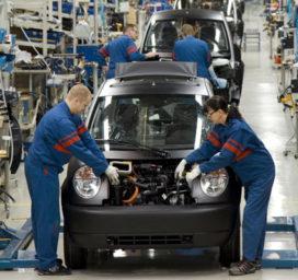 Automobielsector investeert minder in verbrandingsmotor