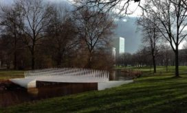 Wereldprimeur: voetgangersbrug volledig van biocomposiet