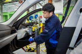 Toeleveringsproblemen leggen productie BMW deels stil