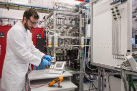 Waterstof uit de lucht: onderzoek in nieuwe fase beland