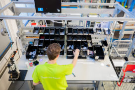 Assembleren met behulp van guided manufacturing